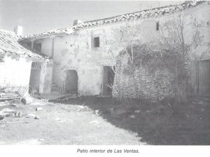 """Patio interior de la Venta de las Motillas (imagen cortesía: """"La Mancha de Don Quijote"""", de Ángel Ligero Móstoles)"""